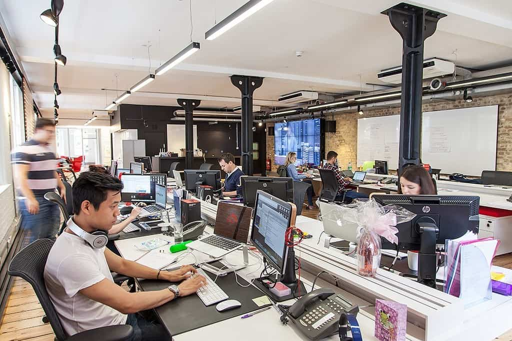 Choosing an Agency Does Size Matter