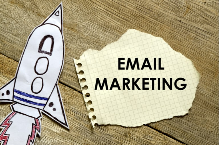 Raise Revenues with Ratings and Reviews in Your Email Marketing